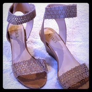 Wedge-Heeled Sandels